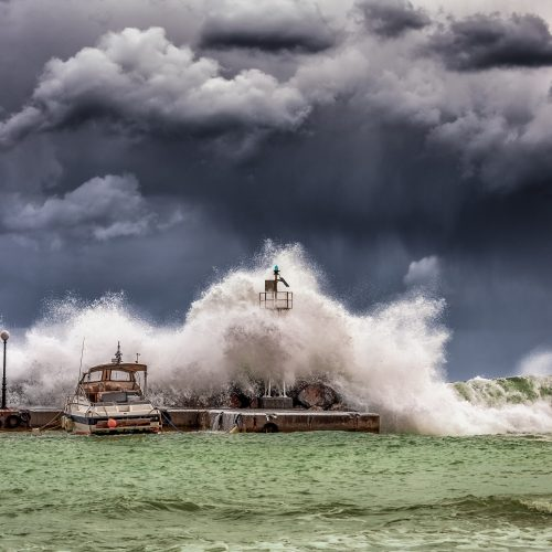 big-waves-under-cloudy-sky-753619_edit